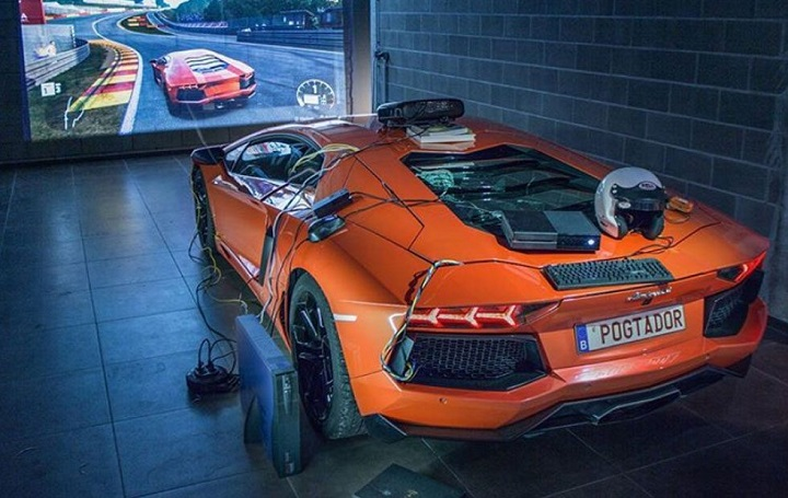 French Gamer Turns Lamborghini into an XBOX Controller